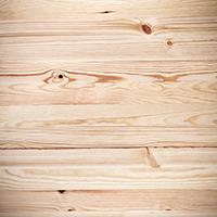 Extrem de popular în țara noastră, dar cu o rezistență scăzută, lemnul de brad este ușor de șlefuit, lăcuit și vopsit, făcându-l astfel alegerea naturală pentru o serie variată de produse finite.